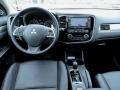 2015-Mitsubishi-Outlander-17