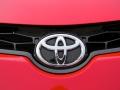 2015-Toyota-Corolla-badge
