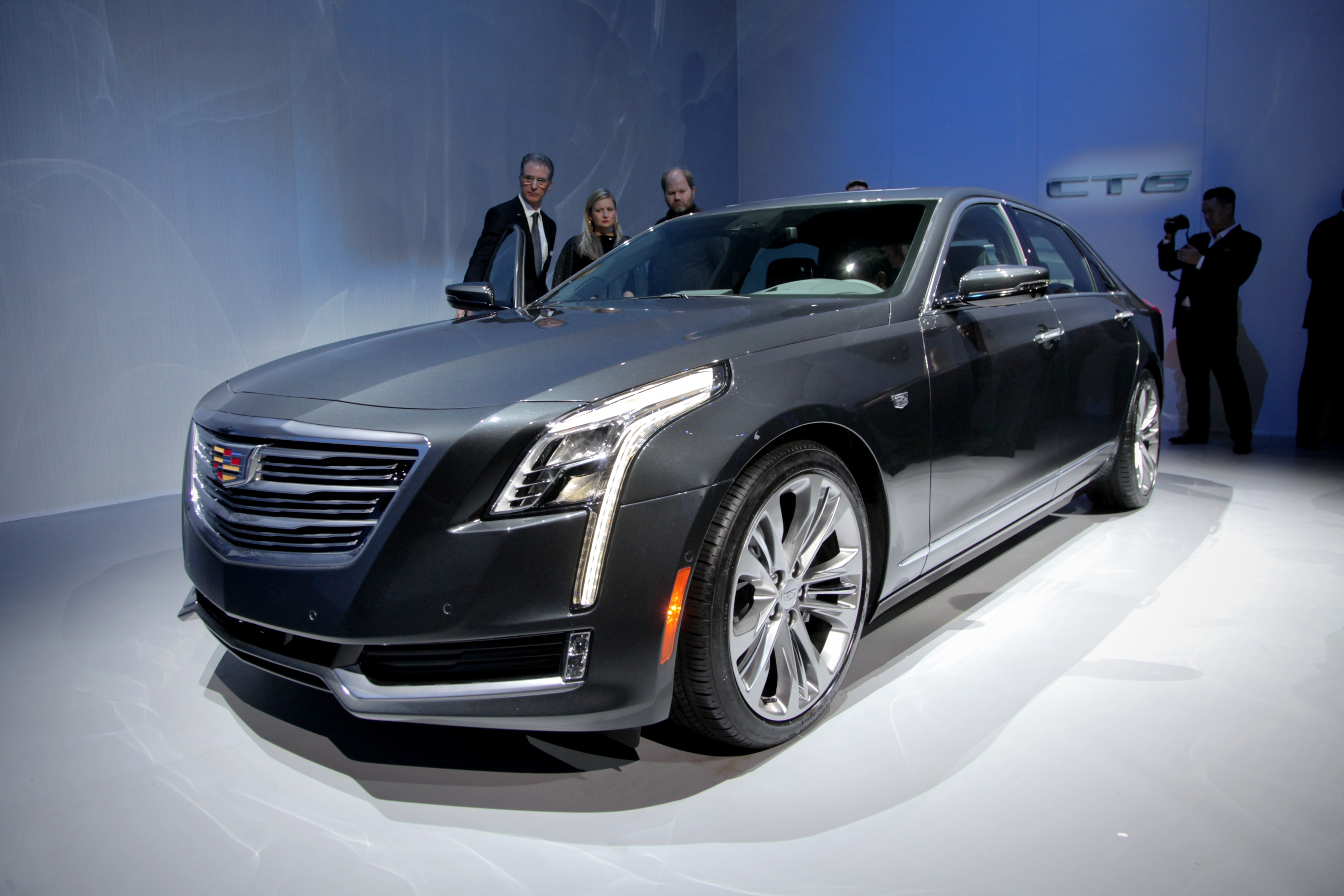 2016 cadillac ct6 video first look news. Black Bedroom Furniture Sets. Home Design Ideas