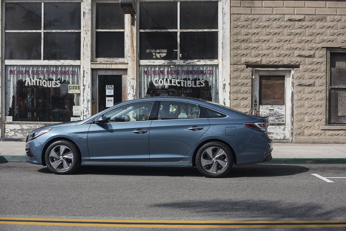 2016 Hyundai Sonata Hybrid Price: $26,825