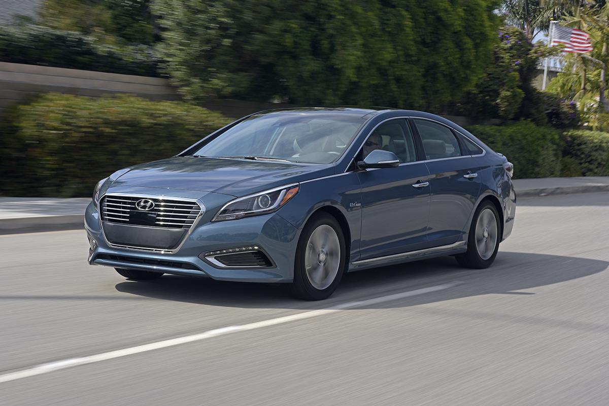 2016 Hyundai Sonata Hybrid Review  AutoGuide.com News