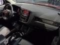 2016-Mitsubishi-Outlander-11
