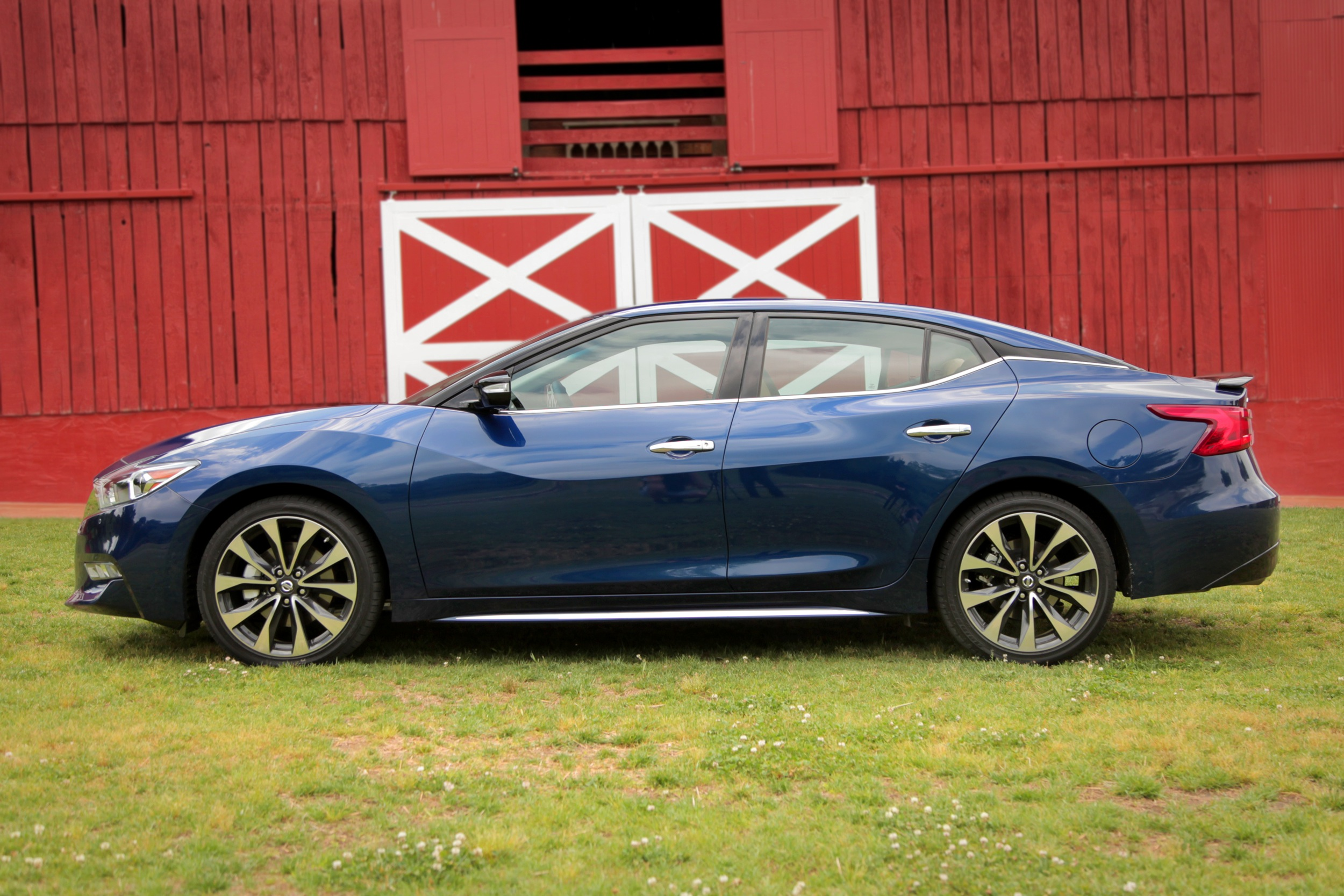 2016 nissan maxima affected by stop sale news. Black Bedroom Furniture Sets. Home Design Ideas
