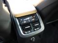 2016-Volvo-XC90-10