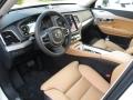 2016-Volvo-XC90-18