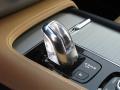 2016-Volvo-XC90-4