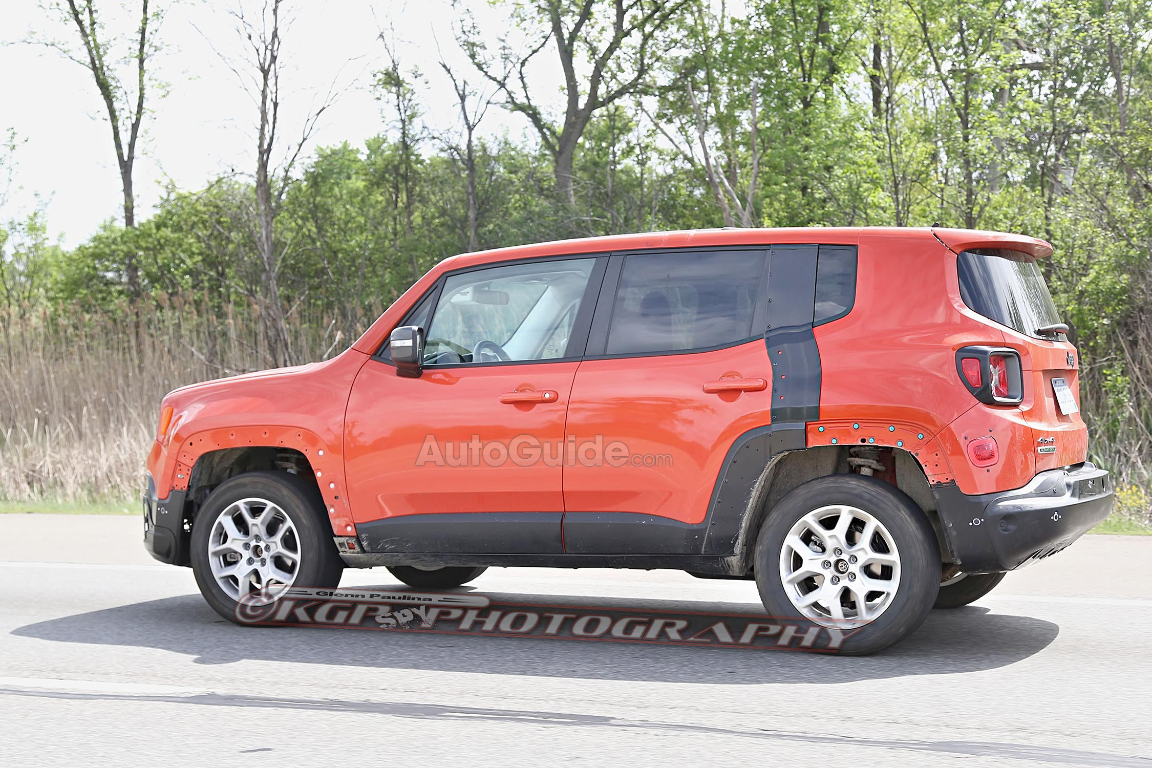 2017 jeep patriot mule spied testing with renegade body. Black Bedroom Furniture Sets. Home Design Ideas