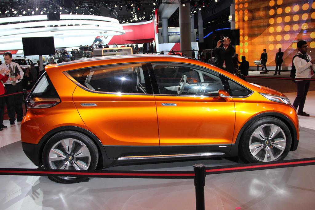 Production Chevy Bolt Toronto Auto Show Vs Bolt Concept